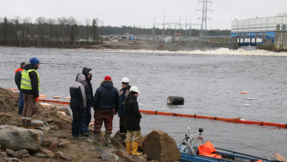 В Карелии авария на строящейся ГЭС привела к утечке нефтепродуктов