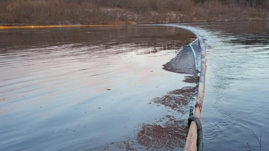 В НАО произошла утечка нефти в районе Харьягинского месторождения