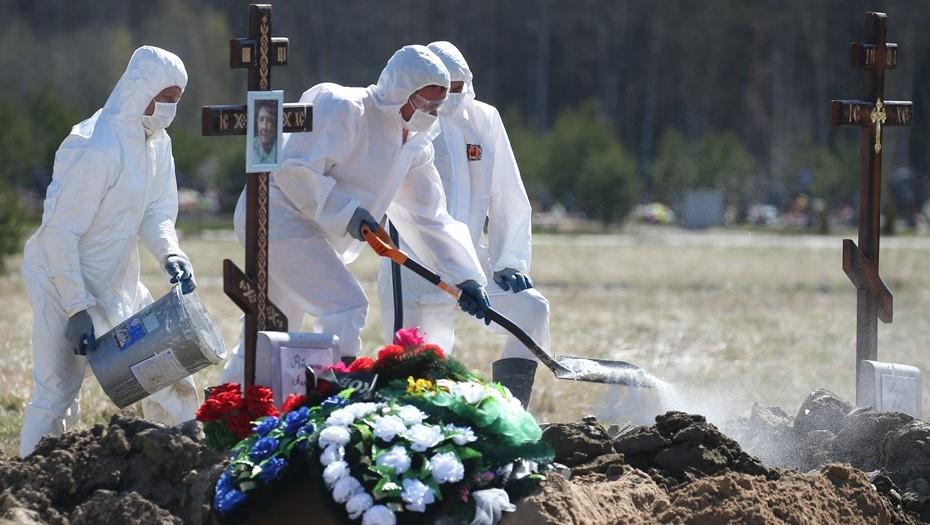 В Петербурге и области заявили 32 смерти в связи с COVID-19