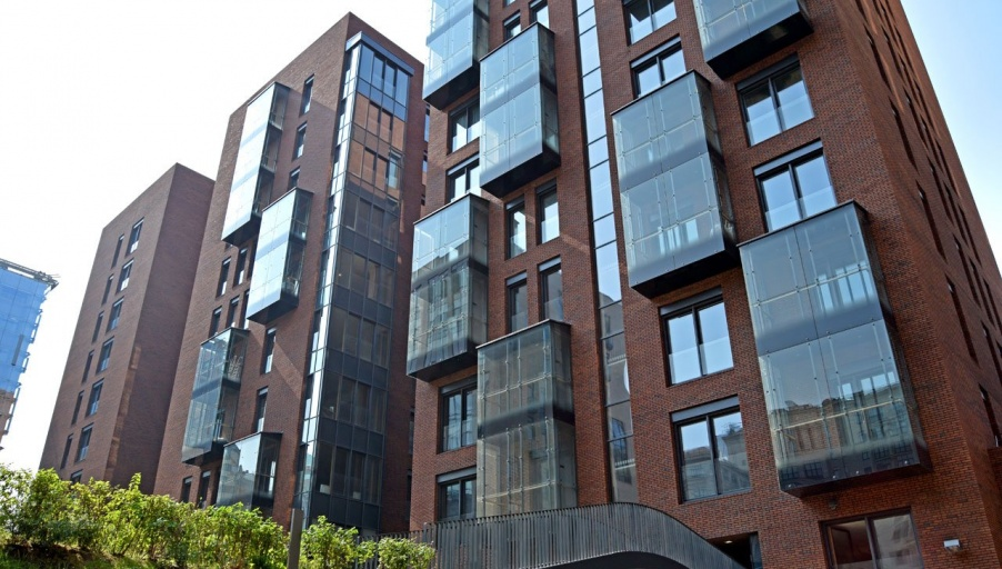 В корпусах пятого квартала ЖК «Садовые кварталы» началась установка лифтов