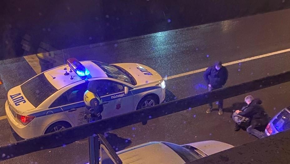 Автомобиль ДПС сбил пешехода в центре Петербурга