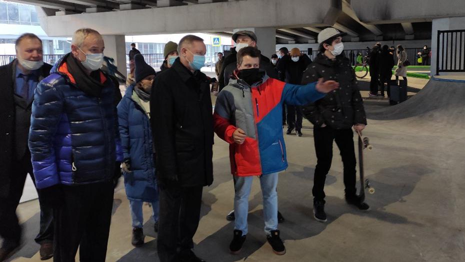 Беглов открыл первый в городе памп-трек и пообщался со скейтерами