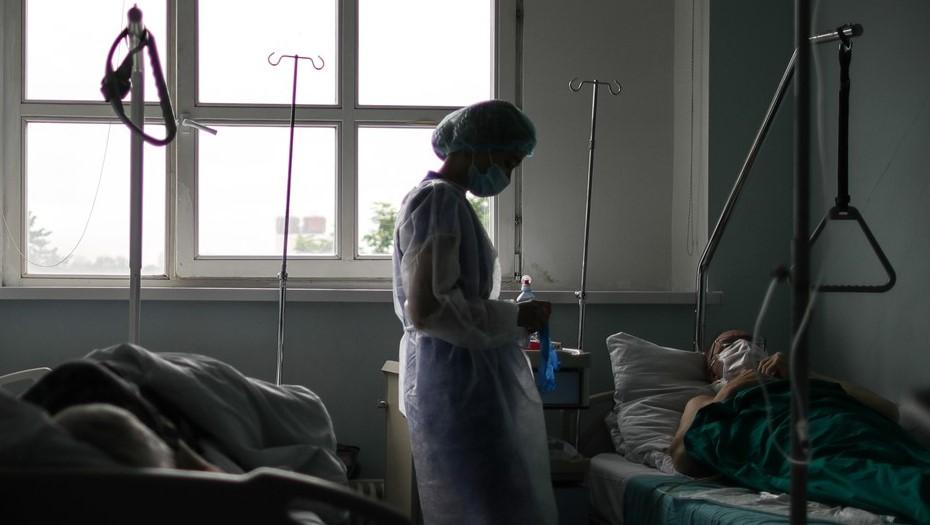Главной проблемой Петербурга в пандемию признали острую нехватку медсестёр