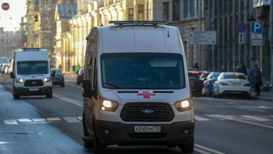 Количество заражённых COVID-19 в Петербурге за сутки превысило 1,6 тыс. человек