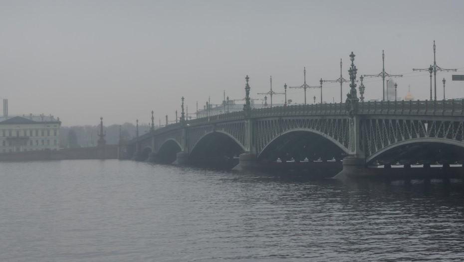 Мосты Петербурга не стали разводить из-за непогоды