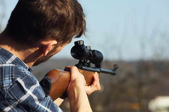Охотникам будет легче вывезти оружие за границу