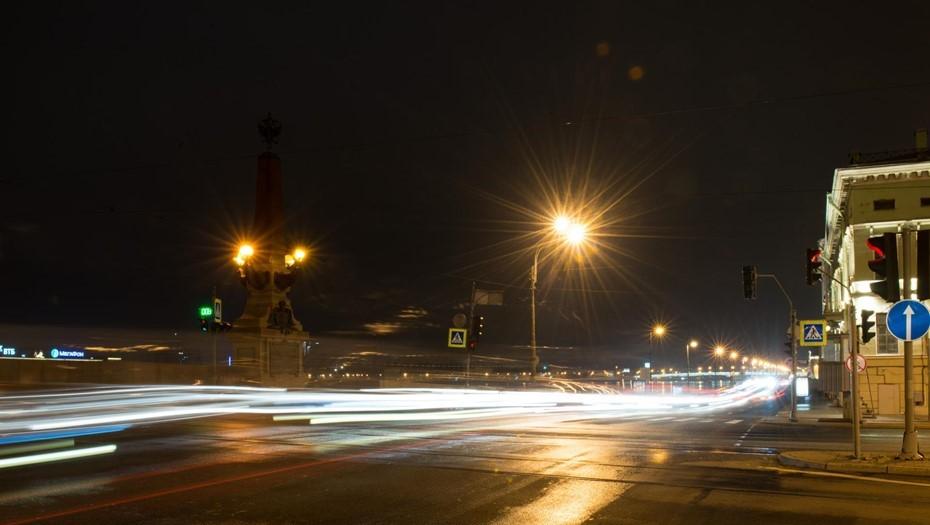 Перед Новым годом подсветку зданий в Петербурге решили не отключать