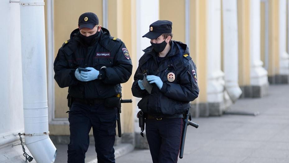 Петербуржец искусал полицейского во время проверки документов