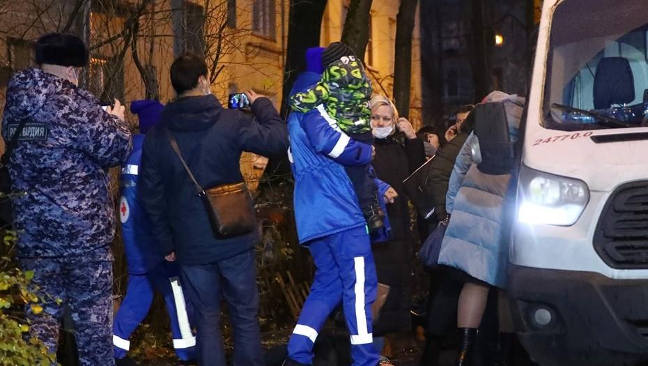 Петербуржец взял детей в заложники: что известно об инциденте в Колпино