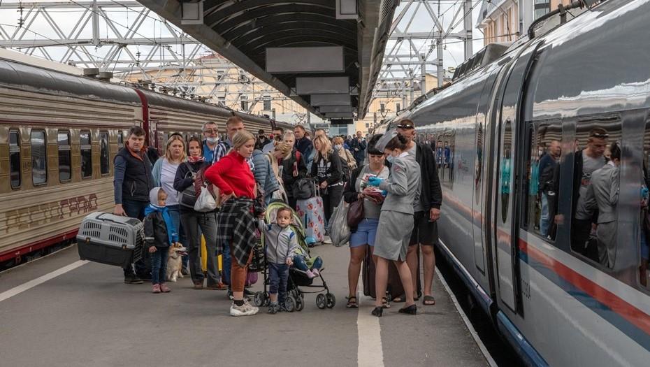 """Поезд """"Адлер – Петербург"""" будет ходить круглый год"""