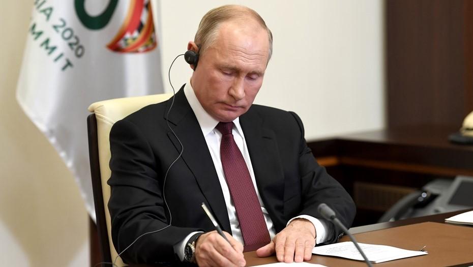 Путин объяснил, почему не поздравил никого с победой на выборах в США