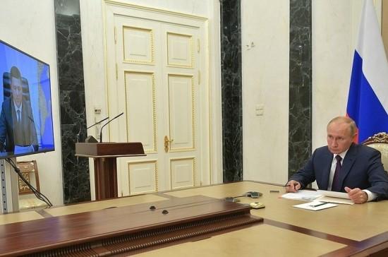 Путин пообещал оказать финансовую поддержку Псковской области