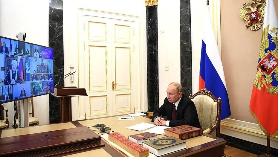 Путин поручил сократить выбросы парниковых газов