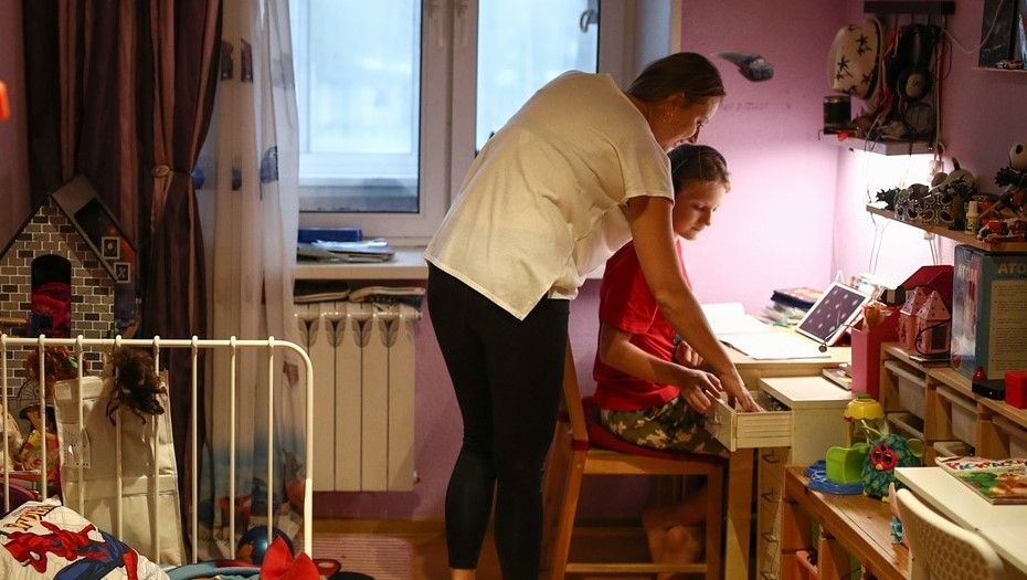 Родители призвали Беглова оплатить расходы на домашнее обучение школьников