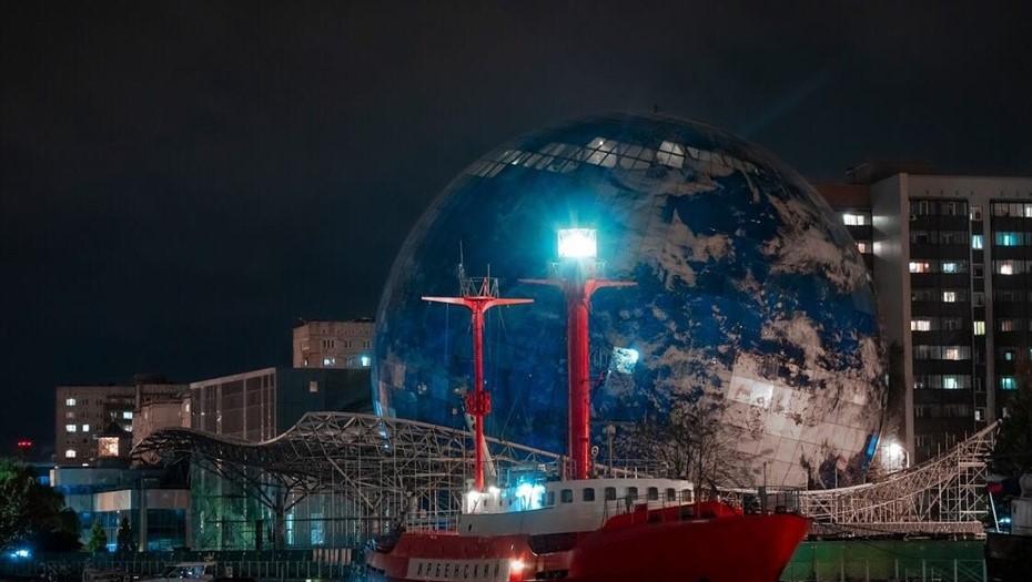 В Калининграде ремонтируют единственный в РФ плавучий маяк