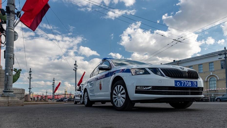 В Петербурге полицейские со стрельбой задержали водителя Audi без прав