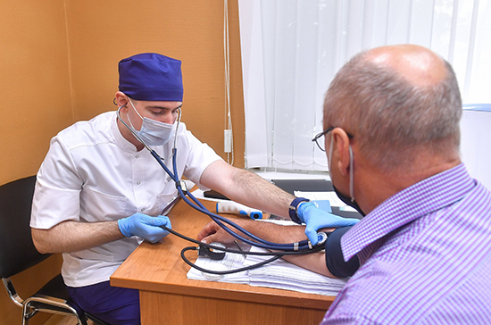 Военнослужащих защитят от онкологии и инфарктов