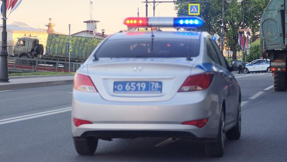 Вор украл из дома в Ленобласти драгоценности на 3 млн рублей