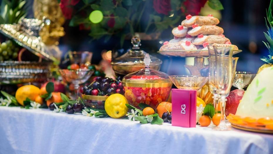 Большинство петербуржцев будут отмечать Новый год дома