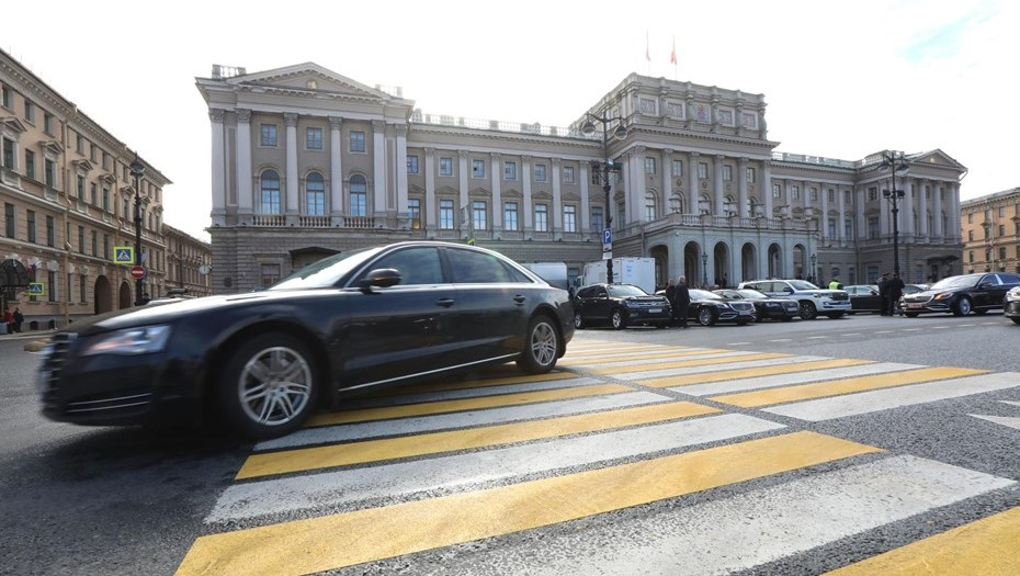 Депутаты Петербурга окончательно приняли закон о наливайках