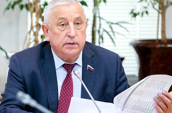 Харитонов призвал обеспечить правовые гарантии для развития Арктики