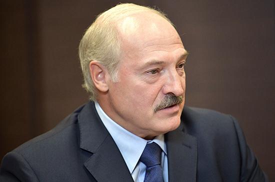 Лукашенко отказался прививаться от COVID-19