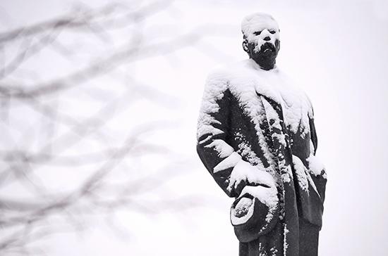 Москву ждут сильные снегопады, предупредил синоптик