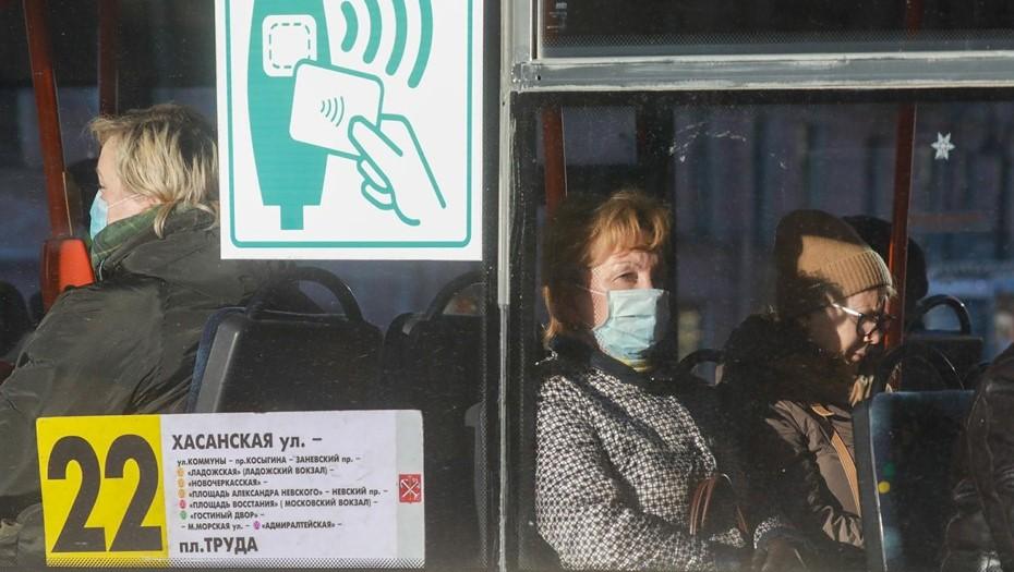 Пассажиропоток в Петербурге сократился более чем на треть