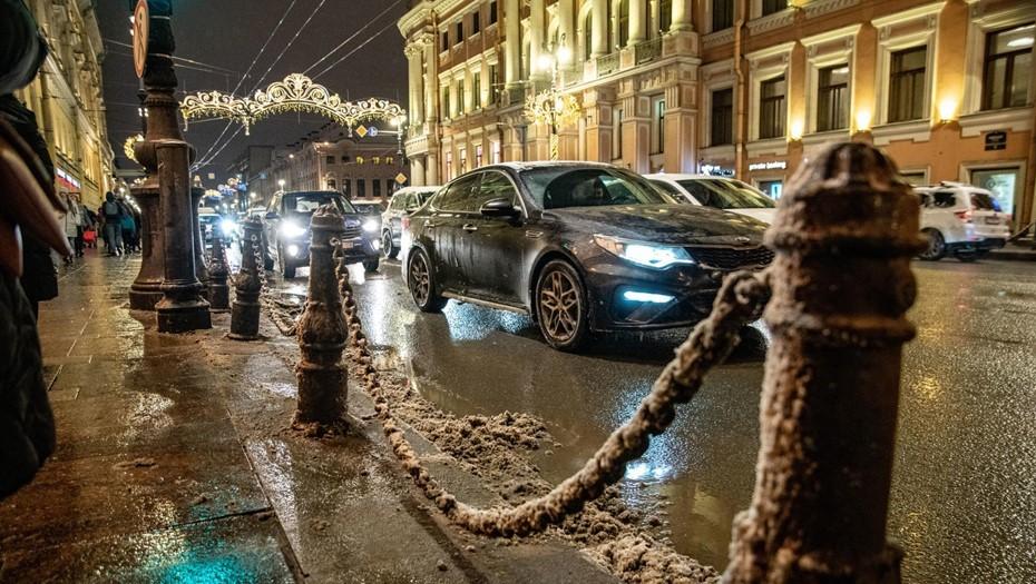 Пятница принесёт в Петербург снег и гололедицу