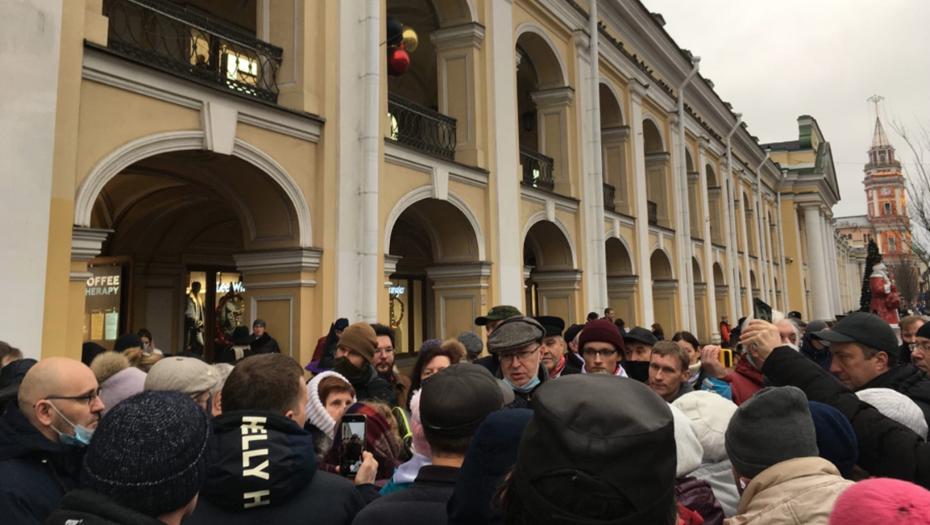 Политолог Валерий Соловей задержан у Гостиного двора