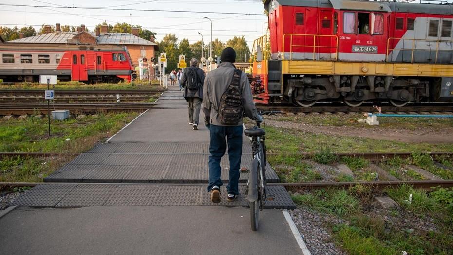 """""""Поскользнулся"""": очевидец рассказал о трагедии на станции в Петербурге"""