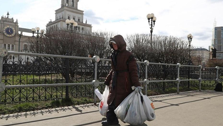 Смольный изменит условия социального контракта для малоимущих петербуржцев