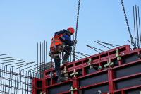Трутнев выступил за введение акциза на иностранных работников