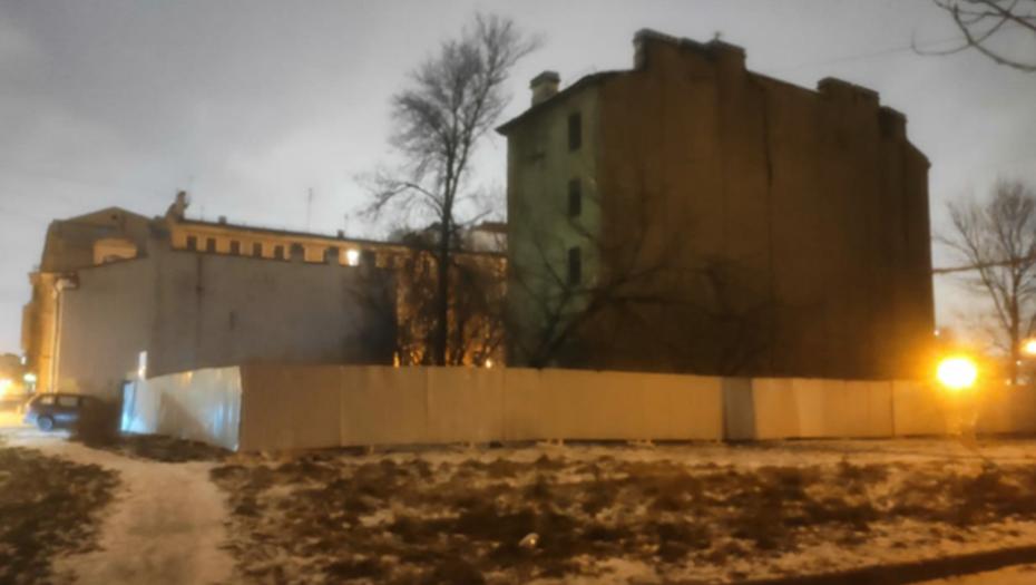 В Петербурге начали сносить исторический дом вопреки решению суда