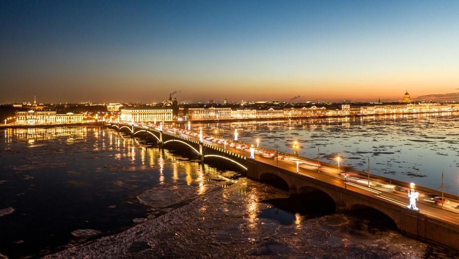 В Петербурге с 14 декабря четыре ночи подряд будут разводить мосты