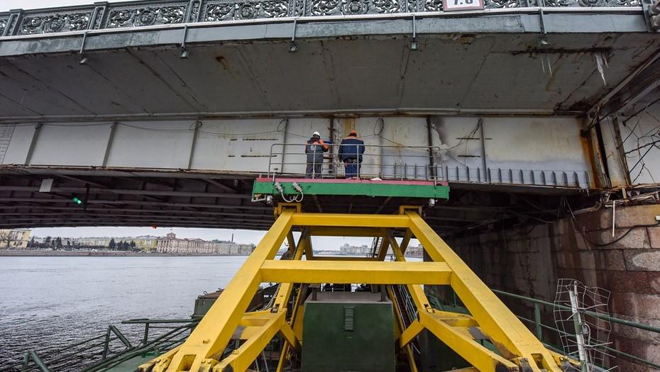 В Петербурге завершился ремонт балки Литейного моста