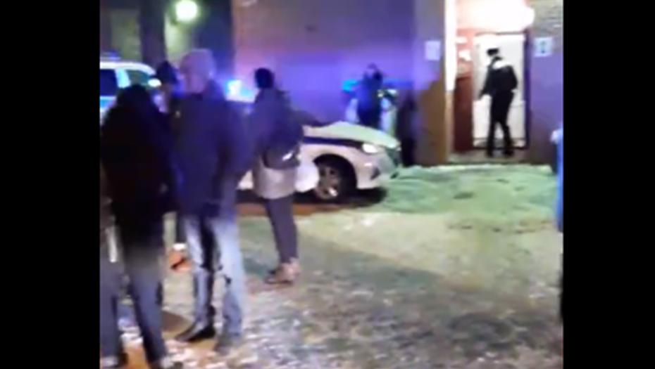Жилой дом на севере Петербурга эвакуировали после сообщения о бомбе