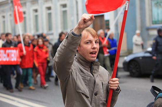 Журналистам могут запретить агитировать на митингах