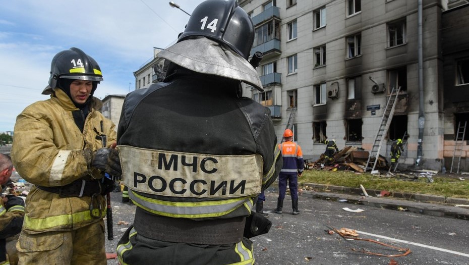 Два человека погибли при пожаре в Парголово