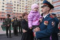 Героям России предлагают предоставлять жильё вне очереди