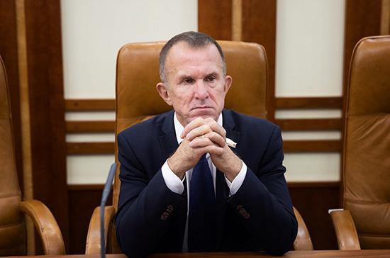 Кравченко: нельзя допустить снижения выплат работающим пенсионерам на самоизоляции