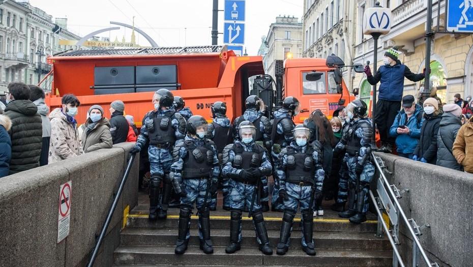Несколько станций метро в Петербурге закрыли в преддверии митинга