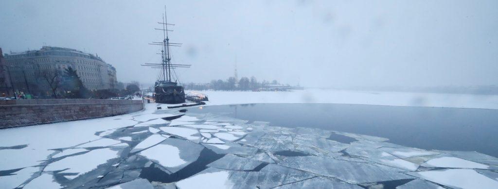 Петербургу 30 января предсказали гололед и низкое атмосферное давление
