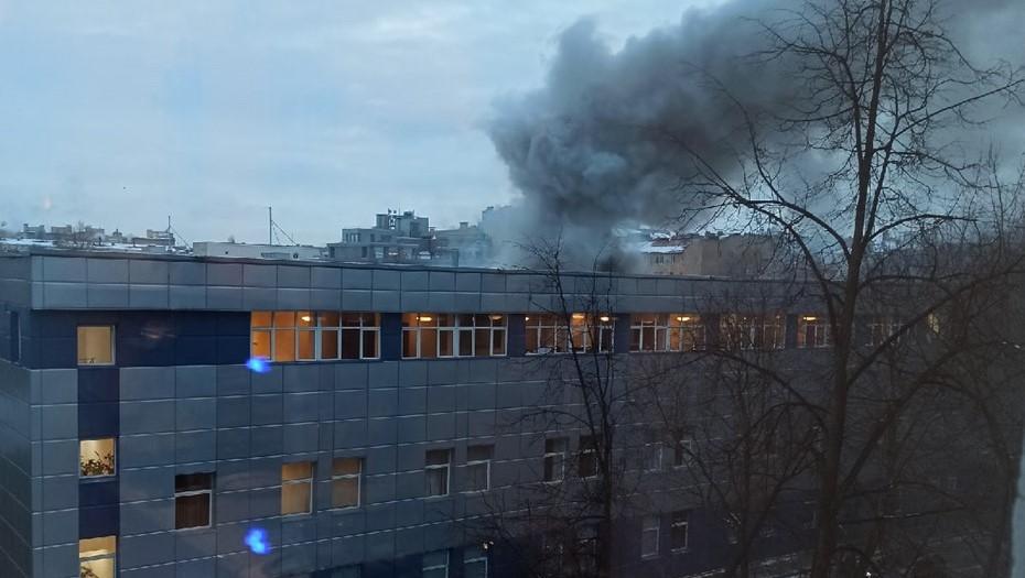 Пожар в Петроградском районе локализовали