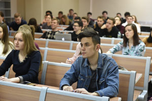Программа по трудоустройству студентов будет продолжена, заявили в Минобрнауки