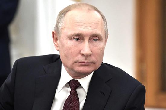 Путин выразил соболезнования родным и близким Ланового