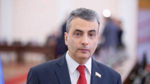 Суд в Пскове оштрафовал депутата Шлосберга за организацию протеста