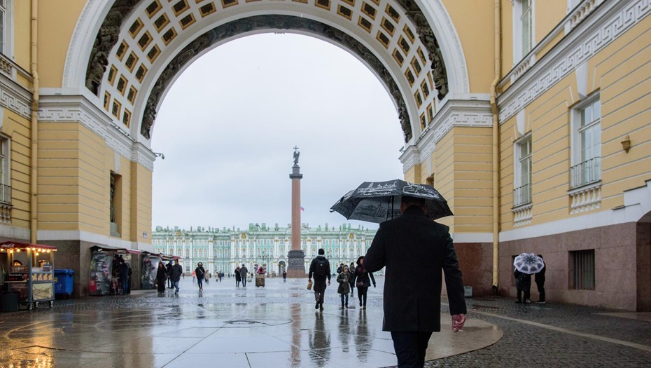 Температура в Петербурге остается выше нормы