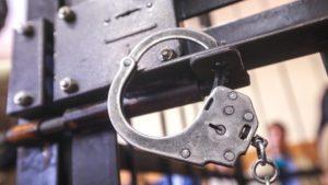 Уроженцев Ленобласти признали виновными в вооружённом разбое в Пулково