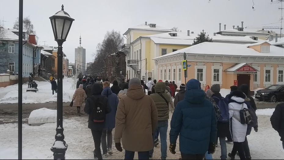 В Архангельске несогласованное шествие завершилось задержаниями